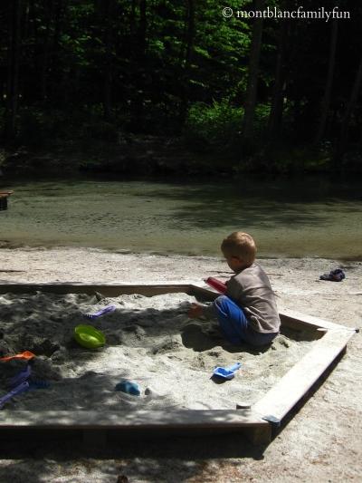 Le Paradis des Praz - sandpit© montblancfamilyfun.com
