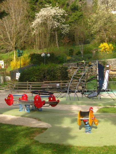 Aire de Jeux de l'Eglise à Sallanches © montblancfamilyfun