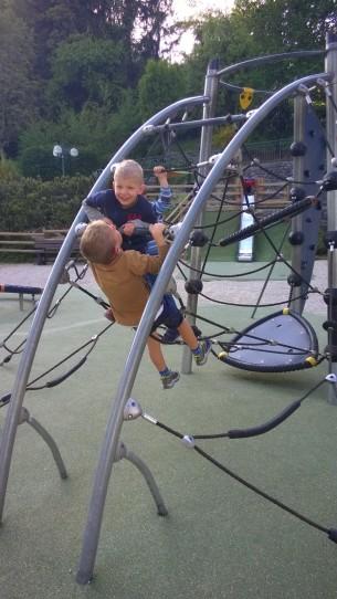 Aire de Jeux de l'Eglise à Sallanches © montblancfamilyfun.com