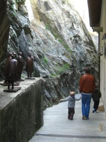 Modern art sculptures at the Forte di Bard © montblancfamilyfun.com