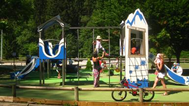 New playground in le Parc Thermal © montblancfamilyfun.com