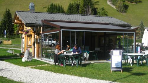 Base de Loisirs des - Belles - la buvette © montblancfamilyfun.com