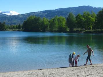 Springtime paddle at Lacs des Ilettes© montblancfamilyfun.com