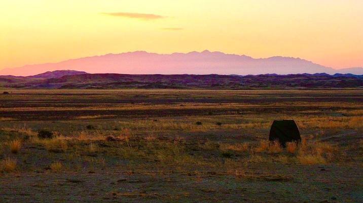 Sunset in Damaraland (Namibia) © montblancfamilyfun.com