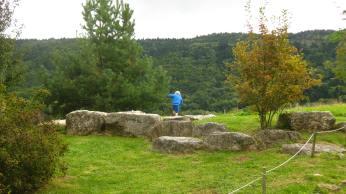 Maison du Salève - boulder hopping in the gardens © montblancfamilyfun.com