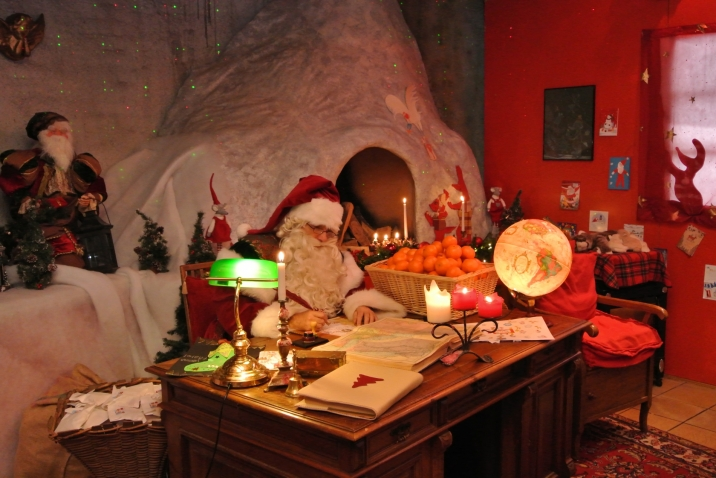 Santa's Grotto at Rochers-de-Naye © Montreux-Noël