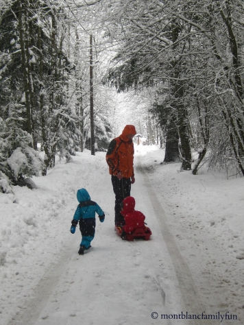 Walking through the winter wonderland of Bois du Bouchet © montblancfamilyfun.com