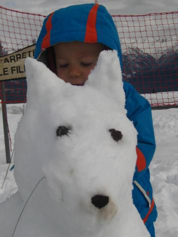 Snowdog in the making at Le Cuchet, Combloux © montblancfamilyfun.com