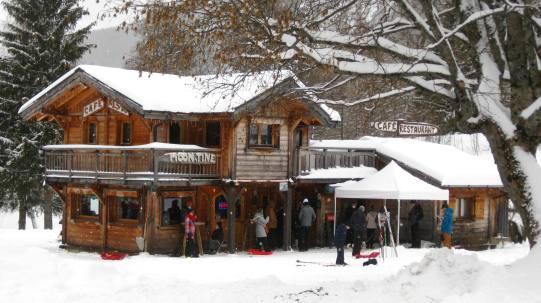 Moon-Tine snowtubing © montblancfamilyfun.com