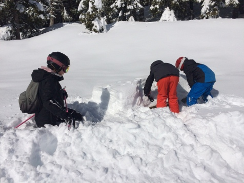 Digging out one's picnic table! © montblancfamilyfun.com
