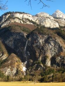 View of Cascade d'Arpenaz © montblancfamilyfun.com