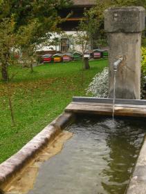 Village of Luzier (la fontaine des abeilles) © montblancfamilyfun.com