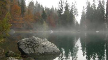 Autumn at Lac Vert - mystical mist © montblancfamilyfun.com