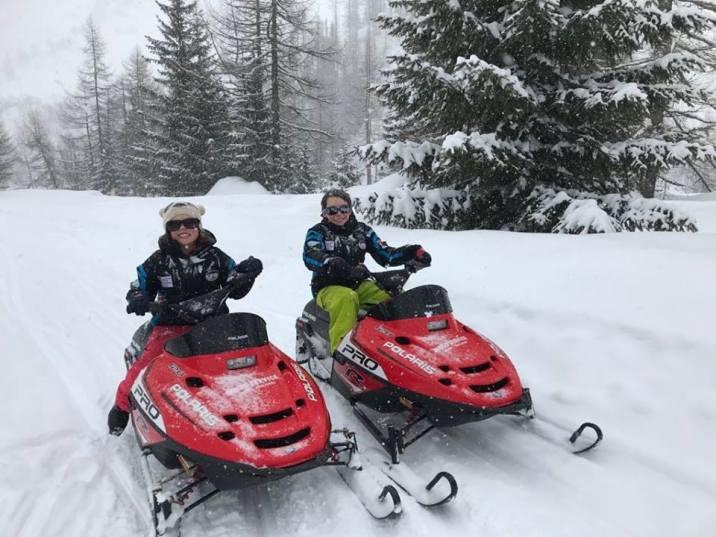 Snowmobiles in Val Ferret © Natalie EVETT-COSIER