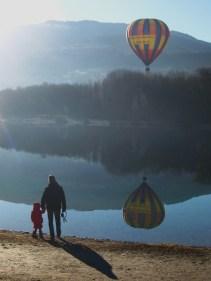 Montgolfière at Lac de Passy © montblancfamilyfun.com