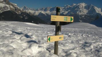 Winter hike to Refuge de Tornieux © montblancfamilyfun.com