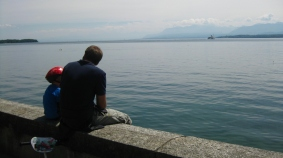 Nyon lake gazing © montblancfamilyfun.com
