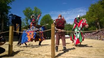 Grandes Médiévales d'Andilly - jousting event© montblancfamilyfun.com