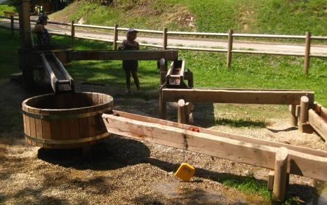 NEW Aire de Jeux de l'Étape - water games © montblancfamilyfun.com