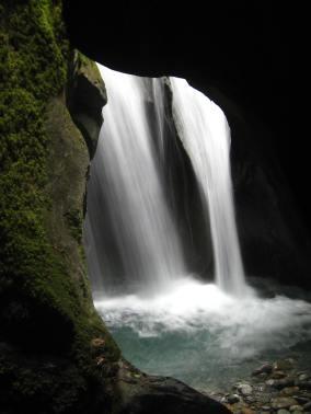 Les Gorges Mystérieuses de la Tête-Noire - Grottes des Nymphes © montblancfamilyfun.com
