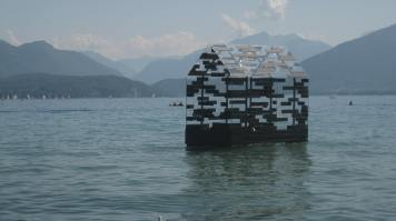 "« Annecy Paysages » / "" Walden Raft "" by Elise Morin & Florent Albinet © montblancfamilyfun.com"