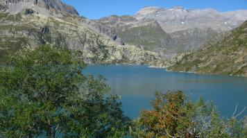 Lac d'Emosson in autumn © montblancfamilyfun.com