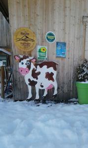 Farm shop in the snow © Ferme les Montagnards