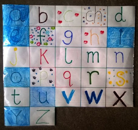 Alphabet grid - decorating the letters © montblancfamilyfun.com