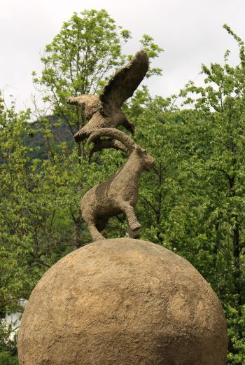 Fondation Oxylane Art: Gardiens by Gloria Friedmann © montblancfamilyfun.com
