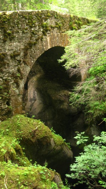 Pont Romain (Notre-Dame de la Gorge) © montblancfamilyfun.com