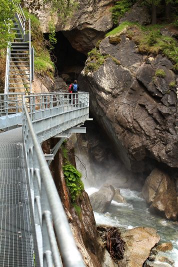 La Cascade de Bérard - viewing platform © montblancfamilyfun.com